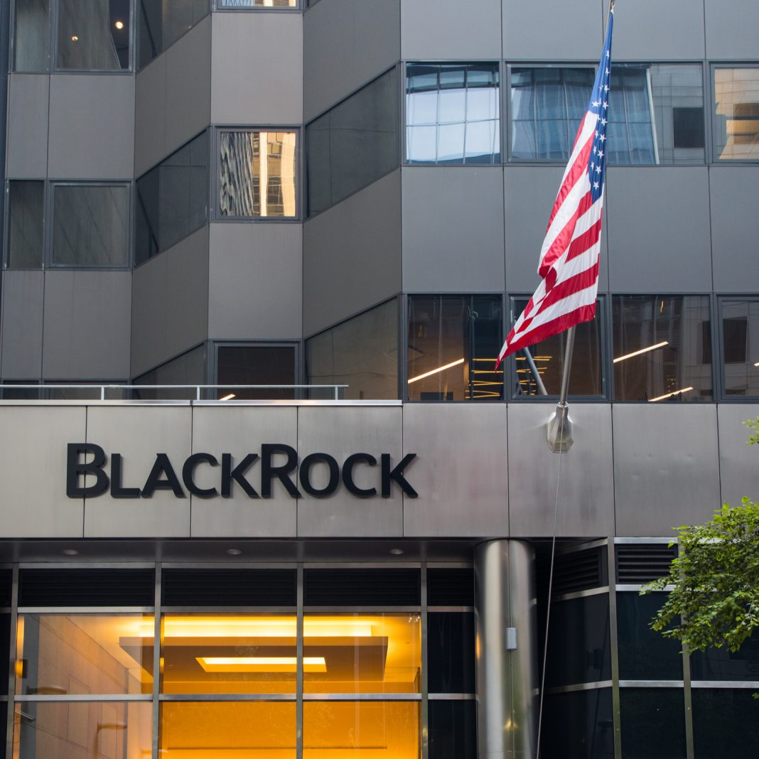 The Daily: Blackrock Probes Market, Coinbase to List Securities, Bitpay Gets a Bitlicense